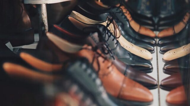 綺麗にお手入れされている革靴